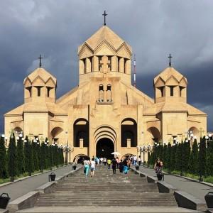 2014_Erywań,_Katedra_św._Grzegorza_Oświeciciela_(05)
