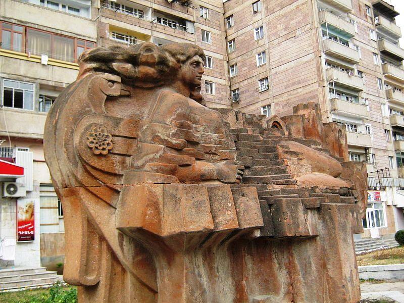800px-Artsakh_square_in_Vanadzor_04