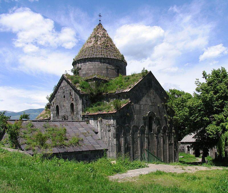 800px-Sanahin_Monastery