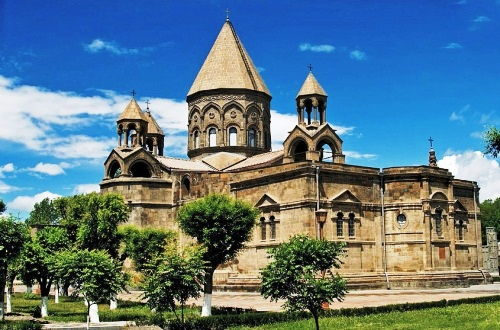 Ejmiadzin_Cathedral