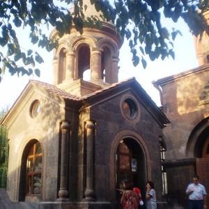 Khachqar_in_front_of_St._Zoravar_Astvatsatsin_church_9152218_29