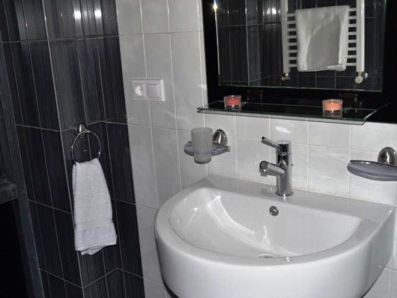 bathroom_-_1
