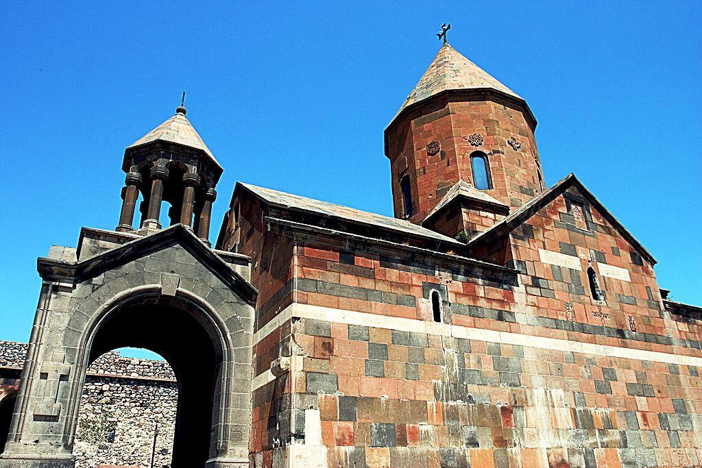 1024px-Khor_Virap._Astvatsatsin_Church