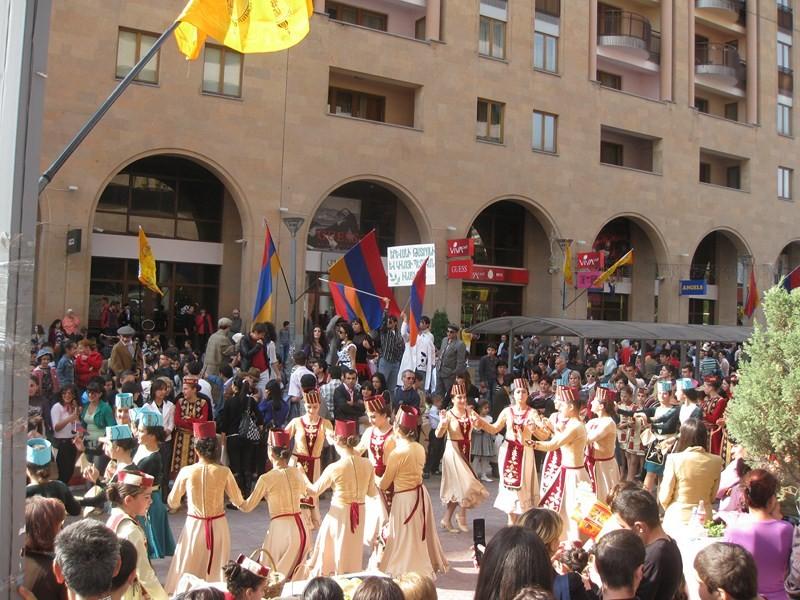 yerevan-dance-street-2009